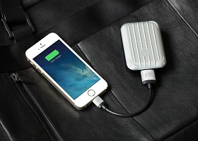 Just Mobile AluCable - стильные Lightning-кабели для iPhone/iPod/iPad